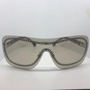 ♥️ Chanel Shield Chain Sunglasses